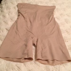 Shape wear!! Excellent condition! Nude color.